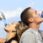 Plastik Su Şişesinin Faydalı Bir Kullanım Yöntemi